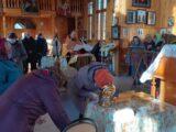 В храмах Ровеньского района торжественно встретили святыни с частицами мощей особо почитаемых угодников Божиих