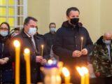 Врио губернатора Белгородской области Вячеслав Гладков посетил праздничное Рождественское богослужение в Свято-Троицком соборе п. Ровеньки