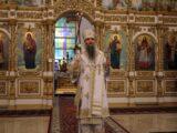 Ночная Божественная Литургия в праздник Крещения Господня в Свято-Николаевском кафедральном соборе г. Валуйки