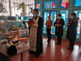 Настоятель храма Рождества Пресвятой Богородицы с. Колтуновка совершил освящение здания Мухоудеровской средней школы