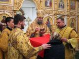 Преосвященнейший епископ Савва совершил Божественную Литургию в храме святителя Иоанна Златоуста г. Валуйки