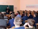 Председатель Комиссии по противодействию алкогольной и наркотической угрозам Валуйской епархии провел открытый урок в местной школе