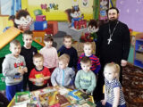 Настоятель храма Архангела Михаила села Глуховка посетил местный детский сад
