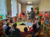 Настоятель храма Богоявления Господня села Подсереднее посетил местные детский сад и школу