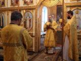 Преосвященнейший епископ Савва совершил Божественную Литургию в храме Покрова Пресвятой Богородицы поселка Вейделевка