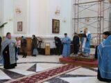 Епископ Савва совершил утреню с чтением акафиста Пресвятой Богородице в Свято-Николаевском кафедральном соборе г. Валуйки