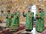 В канун Недели ваий Преосвященнейший епископ Савва совершил всенощное бдение в Свято-Николаевском кафедральном соборе г. Валуйки