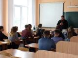 Настоятель храма Покрова Пресвятой Богородицы села Иловка посетил местную школу и провел беседу с учащимися 7-9 классов