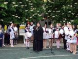 Настоятель Покровского храма села Иловка посетил праздничную линейку по случаю окончания учебного года в местной школе