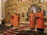 В праздник Светлого Христова Воскресения епископ Валуйский и Алексеевский Савва возглавил праздничное богослужение в Свято-Николаевском кафедральном соборе г. Валуйки
