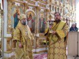 В день памяти святителя Николая Чудотворца Преосвященнейший епископ Савва совершил Божественную Литургию в Свято-Николаевском кафедральном соборе г. Валуйки