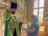 К празднику Святой Троицы на приходах Валуйской епархии было организовано распространение миссионерских листовок