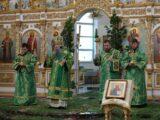 В канун праздника Пятидесятницы епископ Савва совершил всенощное бдение в Свято-Николаевском кафедральном соборе г. Валуйки