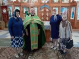 Беседа священника с прихожанами в День семьи любви и верности