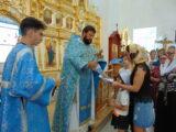 Раздача миссионерских листовок в праздник Успения Пресвятой Богородицы на приходах Валуйской епархии