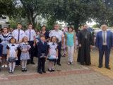 Благочинный II-го Бирюченского округа принял участие в школьной линейке МБОУ «Ливенская СОШ №1»