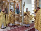 Преосвященнейший епископ Савва совершил Божественную Литургию в Свято-Николаевском кафедральном соборе г. Валуйки.