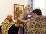 Епископ Савва совершил всенощное бдение с чином воздвижения Креста в Свято-Николаевском кафедральном соборе города Валуйки