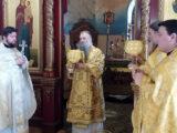 Епископ Валуйский и Алексеевский Савва совершил Божественную Литургию в Свято-Троицком кафедральном соборе города Алексеевка